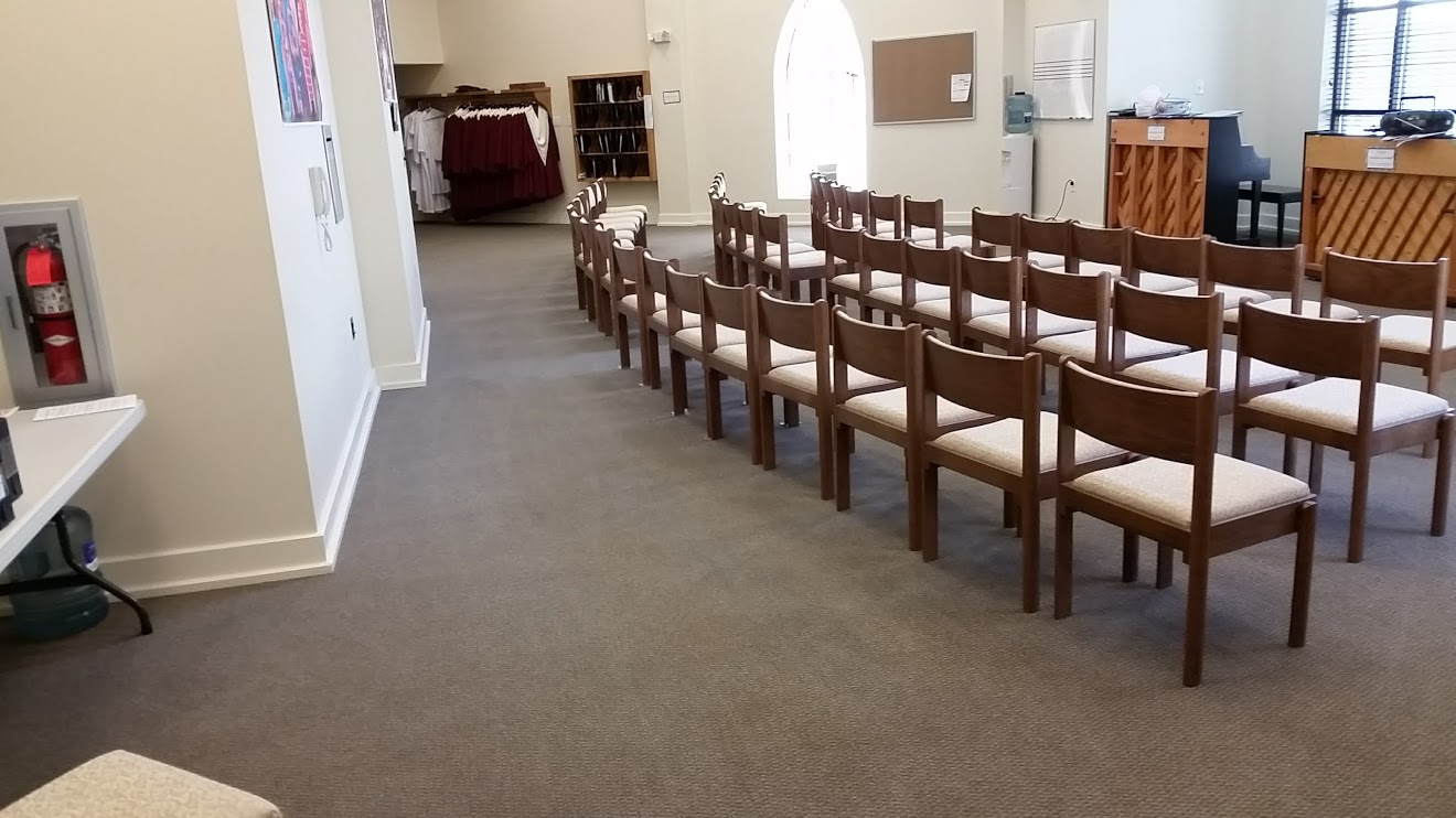 Picture of the choir room at Eastern Shore Baptist after the carpets were cleaned by Absolutely Kleen